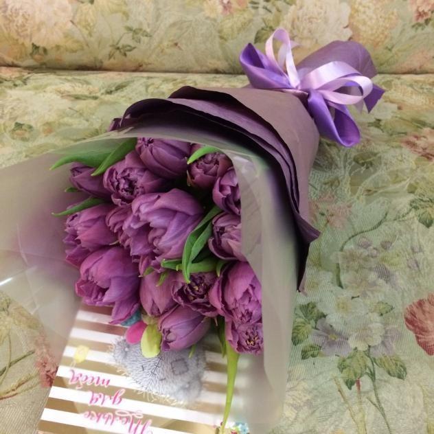 Букет из 15 ароматных тюльпанов
